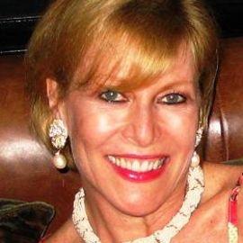 Sue Phillips Headshot