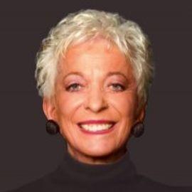 Lola Gillebaard Headshot