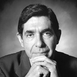 Oscar Arias Headshot