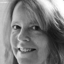Dorothy Wickenden Headshot