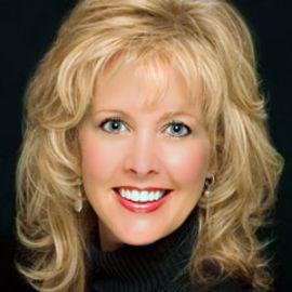 Pam Davis Headshot