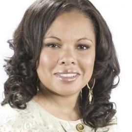Justine Simmons Headshot