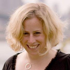 Jennifer Bove Headshot