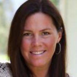 Laura Munson Headshot