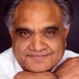 Ram Charan Headshot