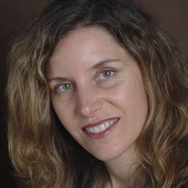 Sabrena Schweyer Headshot