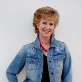 Janell Rardon Headshot