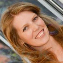 Katie Schmatz Headshot