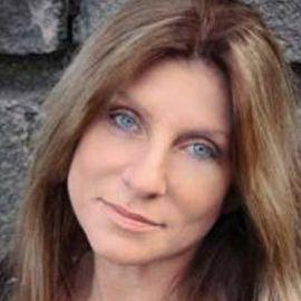 Dawn Schiller Headshot