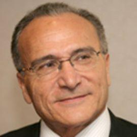 Shalom Saar Headshot