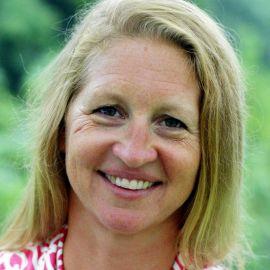 Susie Johnson / Not Your Average Mom Headshot