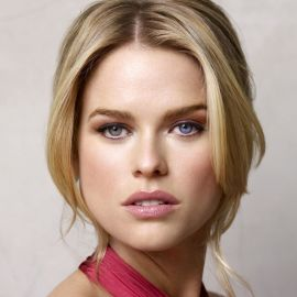 Alice Eve Headshot