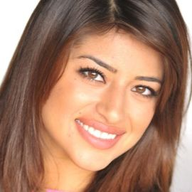 Mayra Leal Headshot