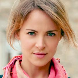 Gemma Hayes Headshot