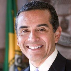 Antonio Villaraigosa Headshot