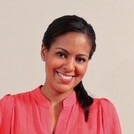 Nicole Gibbons Headshot