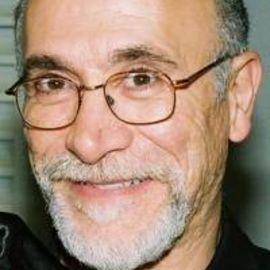 Tony Amendola Headshot