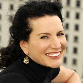 Susie Essman Headshot