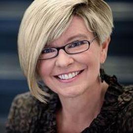 Shelley Correll Headshot