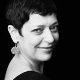 Idit Harel Caperton Headshot