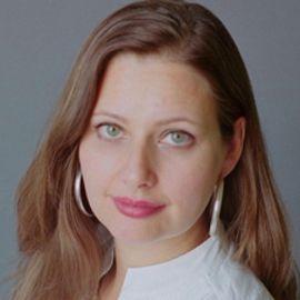Carolina De Robertis Headshot