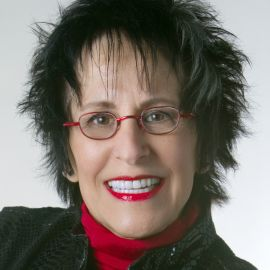 Jana Flaig Headshot