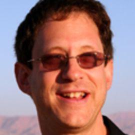 Yosef Abramowitz Headshot