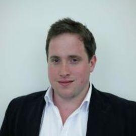 Dominic Llewellyn Headshot