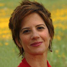 Leslie Dodson Headshot