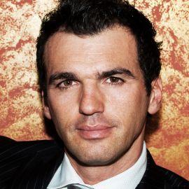 Tony Dovolani Headshot