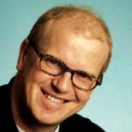 Charles Leadbeater Headshot