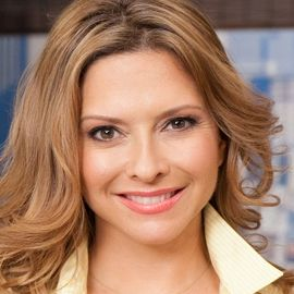 Ingrid Hoffmann Headshot