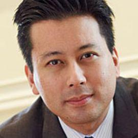 Kenji Yoshino Headshot