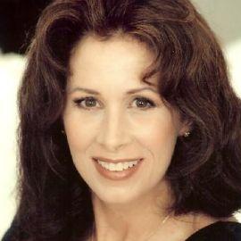 Dr. Molly Barrow Headshot