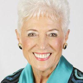 Glenna Salsbury Headshot
