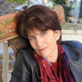 Marion Winik Headshot