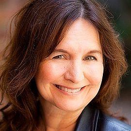 Elaine Hall Headshot