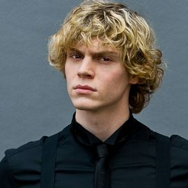 Evan Peters Headshot