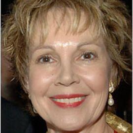 Julie Nixon Eisenhower Headshot