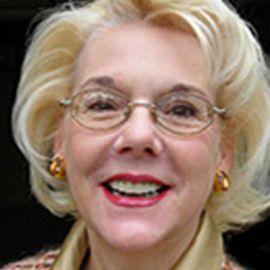 Sally Karioth Headshot
