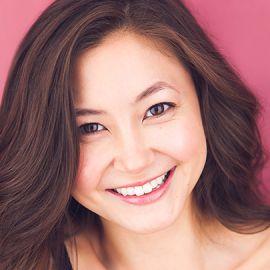 Kimiko Glenn Headshot