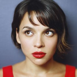 Norah Jones Headshot