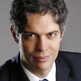Ricardo Amorim Headshot