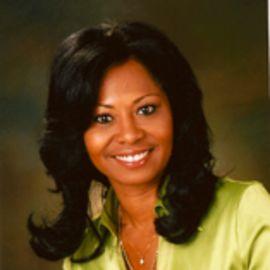 Deanna Brown Headshot