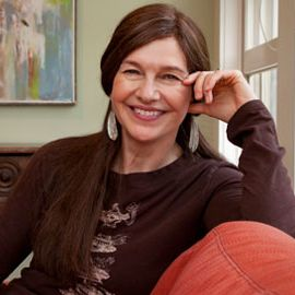 Louise Erdrich Headshot