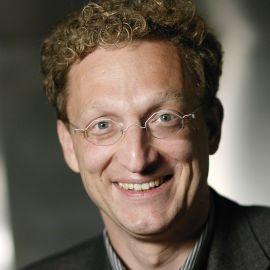 Andreas Weigend Headshot