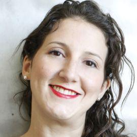 Sara Armour Headshot