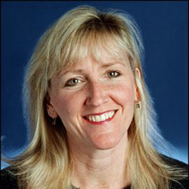 Carol Guzy Headshot