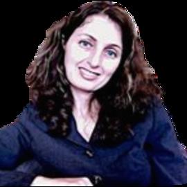 Claudia Effe Headshot