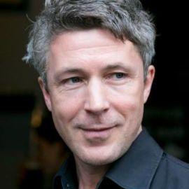 Aidan Gillen Headshot